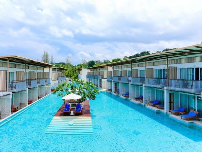 そのままプールで泳げるってのが良さそう「ザ ブリザ ビーチ リゾート (The Briza Beach Resort)」
