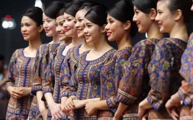 シンガポール航空のCA 画像:http://ideahack.me/article/1435