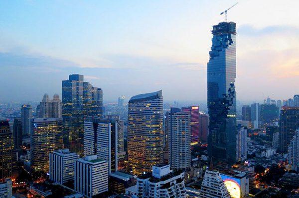 バンコクのオフィスビル群 画像:http://buzz-netnews.com/mahanakhon