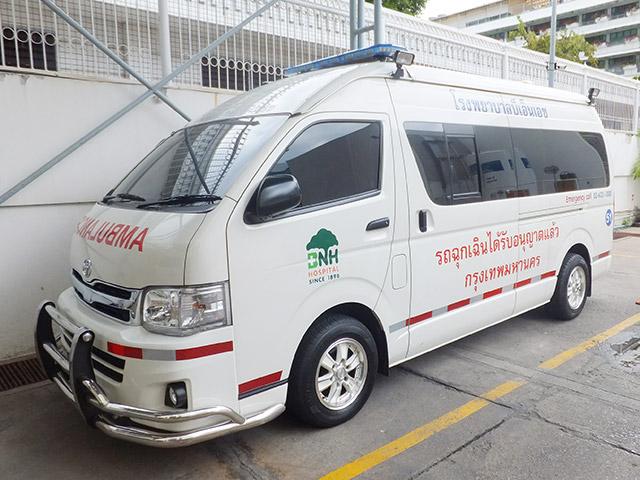 救急車に道を譲らなかったら。タイと日本の場合。        タイで救急車に道を譲らなかったら日本で救急車に道を譲らなかったら